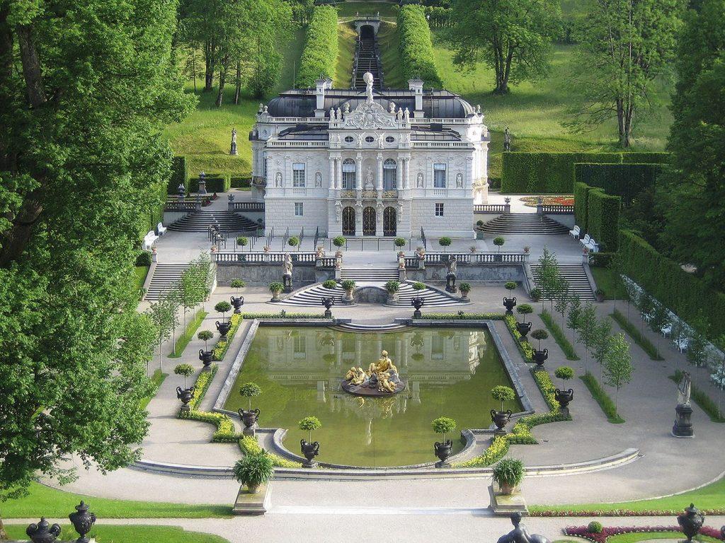 Melihat Schloss dan Park Linderhof