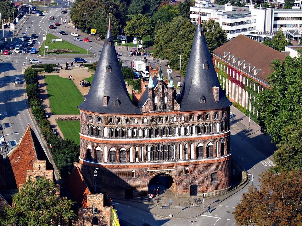 Pemandangan Brick Gothic di Lübeck